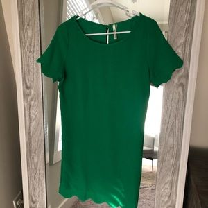 Green thigh length dress